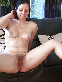 pictures of nude amateur hairy