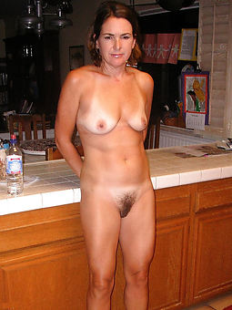 pictures of amateur hairy nude