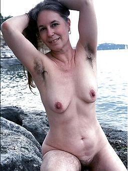 natural hairy armpit porn pic