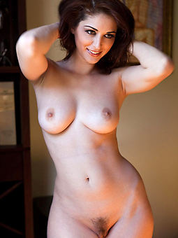 hairy babe pussy pic