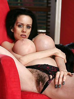 hot hairy babes sex pictures