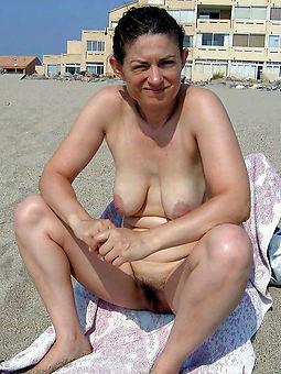 hairy girls outdoors porno
