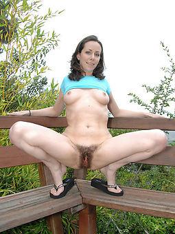 amature gradual girls outdoors