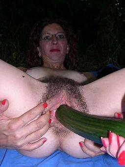 Hairy Masturbation Pics