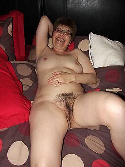 hairy european girls amateur porn pics