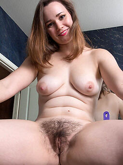 sexy hairy woman amateur nude pics
