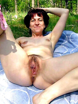 accurate ex girlfriend hairy pussy