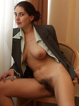 free pictures of girlfriend hairy pussy