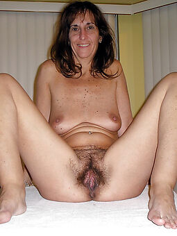 lovely girlfriend queasy