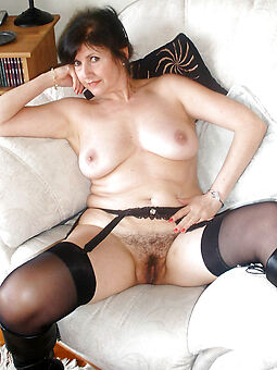 hairy housewife porn pic