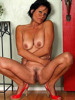 nude unshaved women belt
