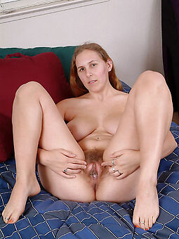 unshaved pussy titillating pics
