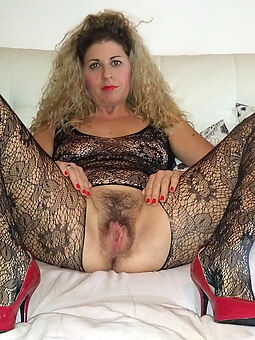 beautiful hairy housewife pics