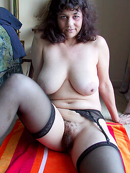 hairy housewife pussy sexy nude pics