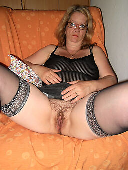 hotties hairy housewife pics