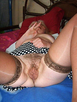 hairy housewife pussy porn pic