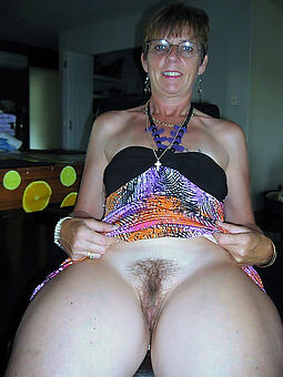 lovely housewife hairy pussy like a flash