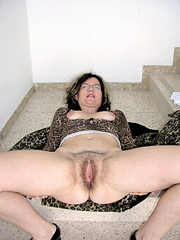 Hairy Housewife Pussy Pics