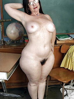 sexy brunette hairy pussy stripping