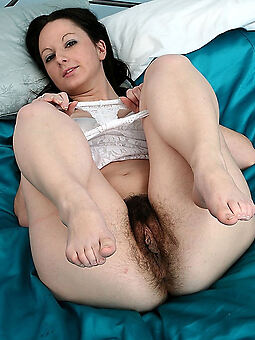 porn pictures of nude hairy brunetts