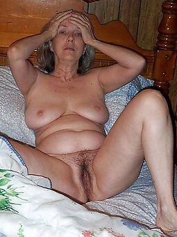 amature aged hairy pussy nude pics