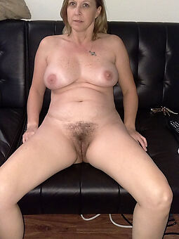 amature solitary hairy mature pic