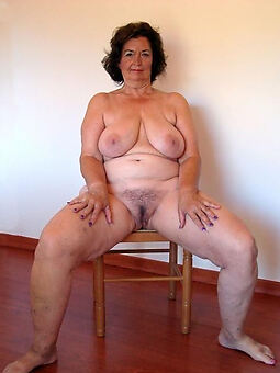 porn pictures of sexy chubby hairy pussy