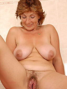 sexy old lady hairy pussy