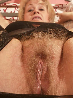 nice sexy hairy blonde pussy