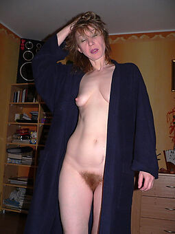 hairy pussy housewife amature sex pics