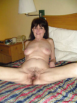 amature denuded hairy lady pussy