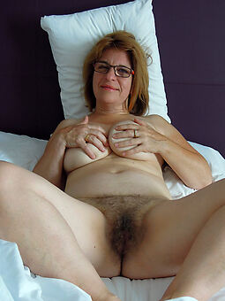 hairy lady pussy amature sex pics