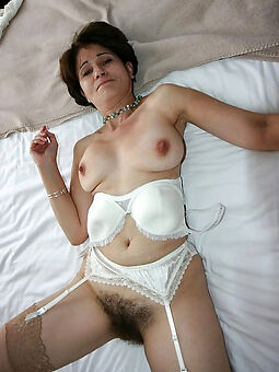 amateur hairy vagina free porn pics