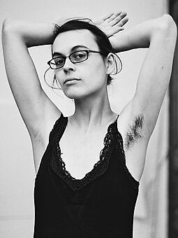 hot hairy armpits women