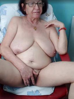 hairy mom masturbation xxx pics
