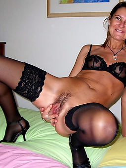 beautiful hairy wifes pussy
