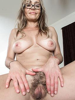hairy moms amature sex pics