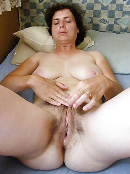 mature moms hairy seduction