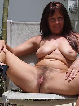 ideal hairy mom thumbs