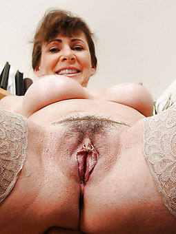 hairy hot mom free porn