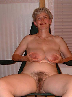 aged womans hairy pussy amature porn