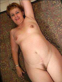 xxx small tits hairy photos