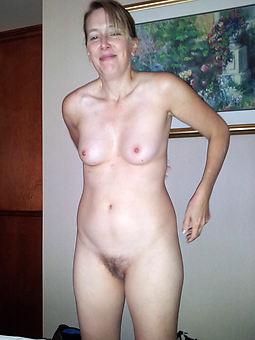 natural gradual women small tits