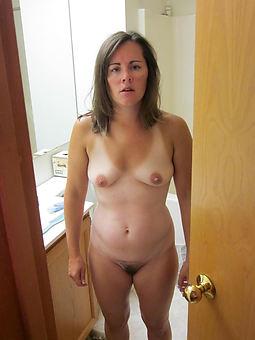 small tit hairy pussy free porn pics
