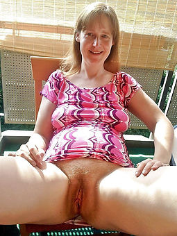 naked mature hairy