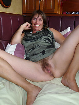 lovely mature hairy cunt pics