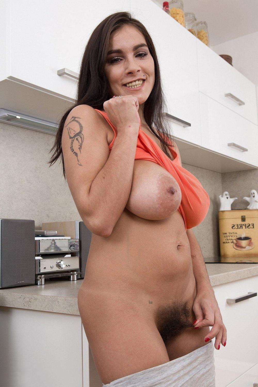 big tits hairy bush amature sex pics