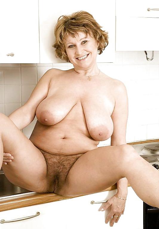 big tits muted cunt porn pic
