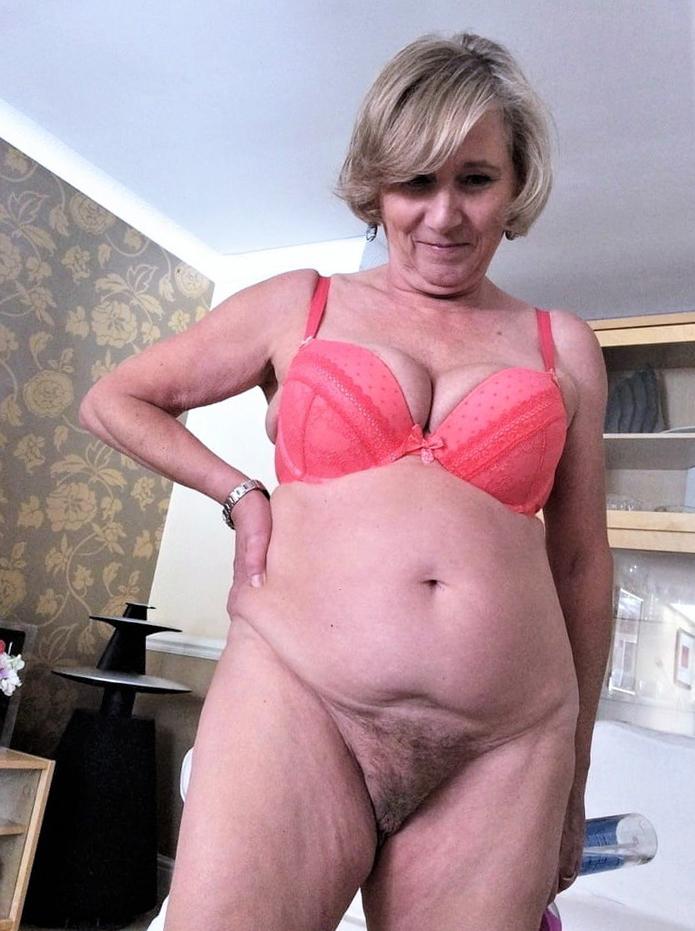 chunky fat hairy pussy free porn pics
