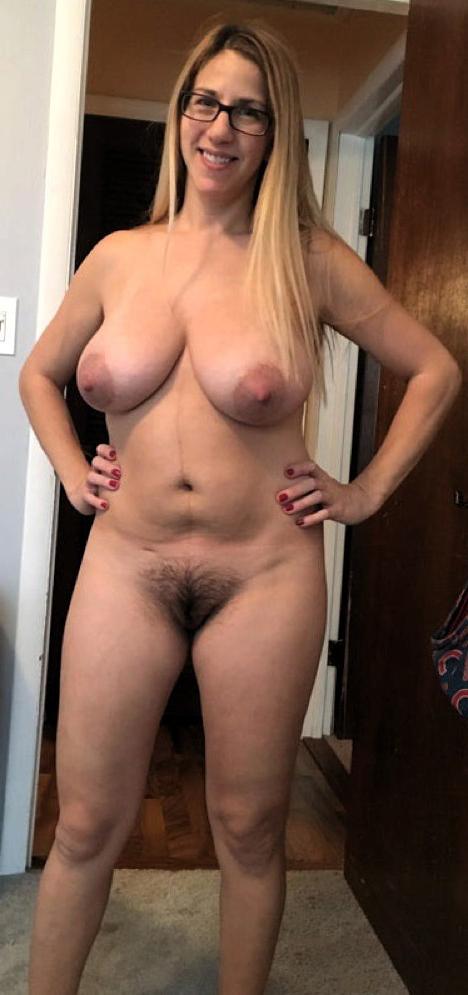 nice big tits hairy pussy hot pics